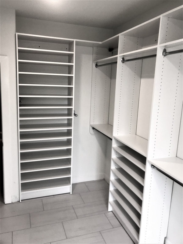 WALK IN CLOSET WHITE WITH SHOE SHELVES